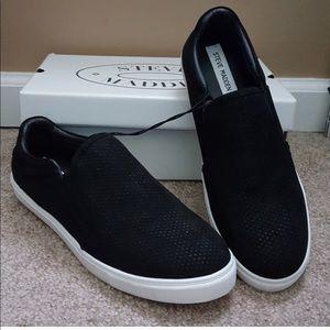 Steve Madden black slip on shoes. Brand new.